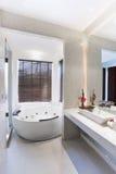 Cuarto de baño en sitio dulce fotografía de archivo libre de regalías