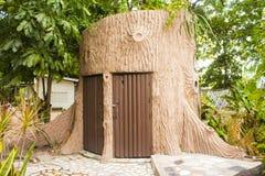 Cuarto de baño en un parque en Tailandia Fotos de archivo libres de regalías