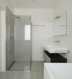 cuarto de baño interior, moderno imagen de archivo