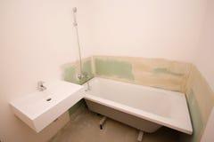 cuarto de baño Mitad-construido fotografía de archivo libre de regalías