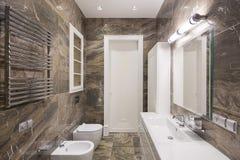 Cuarto de baño moderno del balneario Imagen de archivo libre de regalías