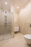 Cuarto de baño moderno del balneario foto de archivo libre de regalías