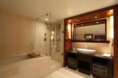 Cuarto de baño romántico Foto de archivo libre de regalías