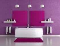 Cuarto de baño púrpura Foto de archivo libre de regalías