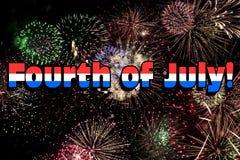 Cuarto de julio con los fuegos artificiales coloridos Imagen de archivo