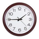 Cuarto a dos en el reloj redondo fotografía de archivo