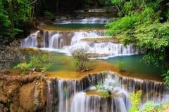 Cuarto piso de la cascada huay del kamin de los mae Imagen de archivo libre de regalías