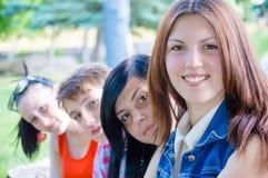 Cuatro amigos adolescentes Fotografía de archivo