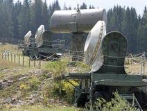 Cuatro camuflaron el radar en una base militar del ejército secreto Imagenes de archivo