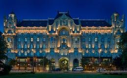 CUATRO PALACIO BUDAPEST DEL HOTEL GRESHAM DE LAS ESTACIONES Imágenes de archivo libres de regalías