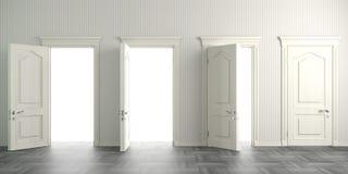 Cuatro puertas abiertas blancas en la pared fotografía de archivo