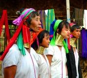 Cuatro señoras de la tribu de Padaung imágenes de archivo libres de regalías