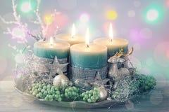 Cuatro velas verdes de la Navidad imágenes de archivo libres de regalías