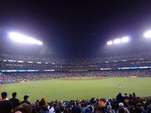 CUB- und Giants-Baseball-Spieler-Stand auf Feld Stockfoto