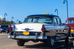 Cuba american Oldtimer taxi on the Promenade Royalty Free Stock Image