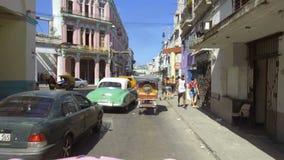 Cuba, Avana, traffico nel distretto di Habana Centro archivi video