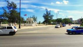 Cuba, Avana, traffico nel distretto di Habana Centro stock footage