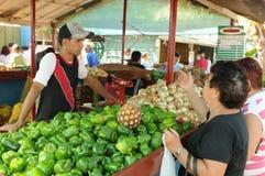 Cuba: Comercio-mercado del granjero en Havanna fotografía de archivo libre de regalías