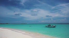 cuba De kust van het Caraïbische overzees Largo Cayo Strand stock videobeelden