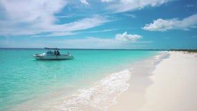 cuba De kust van het Caraïbische overzees Largo Cayo Strand stock video