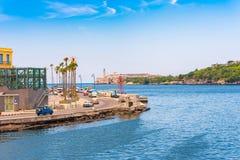 CUBA, HAVANA - 5 DE MAIO DE 2017: Ideia da margem de Malecon Copie o espaço para o texto fotografia de stock royalty free