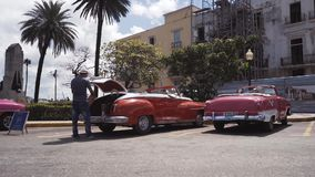CUBA, HAVANA - OCTOBER 15, 2016: city tour, visit the main attractions of the colonial period in Cuba. The old streets stock video