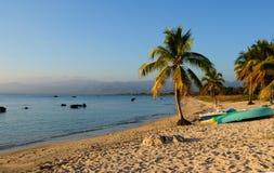 Cuba: Het mooie strand in Trinidad City stock afbeeldingen