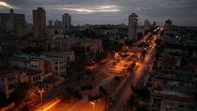 cuba Noite Havana A vista superior na avenida video estoque