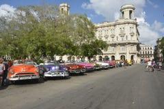 CUBA OLD HAVANA STREET SCENE WITH VINTAGE CARS Stock Image
