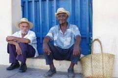 Cubaanse bejaarden die sigaren roken Royalty-vrije Stock Afbeelding