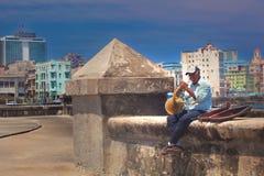Cubaanse straatmusicus Stock Fotografie