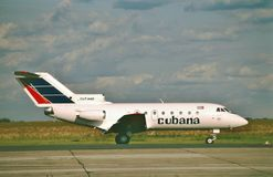 Cubana雅克夫列夫乘出租车在从莫斯科的一次飞行以后的雅克-40 CU-T1442 库存图片
