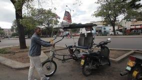 Cubano y banderas de los E.E.U.U. almacen de metraje de vídeo
