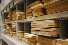 Cubbies da madeira serrada cortada Imagens de Stock