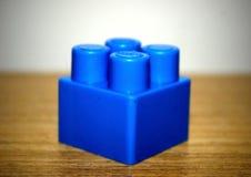 Cube bleu de l'ensemble de construction à jouer Photo stock