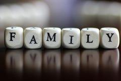 Cube en lettre de famille des textes Image libre de droits