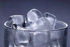cube la glace en verre Images stock