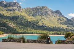 Cuber水库在山脉de Tramuntana,马略卡,西班牙 免版税库存照片
