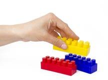 Cubes рука женщины стоковая фотография rf