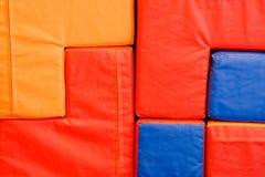 Cubes colorés mous au centre de divertissement photo libre de droits