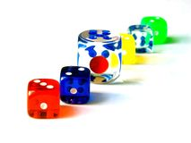 Cubes colorés par jeu Photos stock
