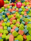 Cubes en éponge de fond photo libre de droits