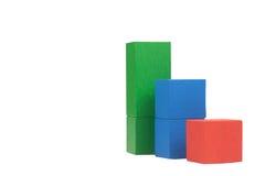Cubes en bois en concept d'affaires d'isolement Photo stock