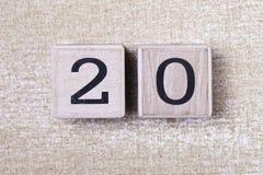Cubes en bois en numéro 20 Image libre de droits