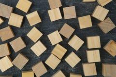 Cubes en bois en jouet photographie stock libre de droits