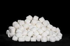 Cubes en sucre blanc images libres de droits