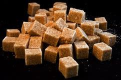 Cubes en sucre de canne image stock