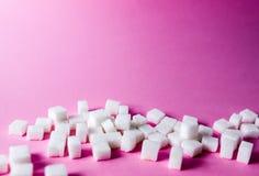 cubes en sucre sur la cuillère Images libres de droits