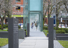 Cubes en verre avec la vapeur comme mémorial d'holocauste à Boston - à BOSTON, le MASSACHUSETTS - 3 avril 2017 Image libre de droits