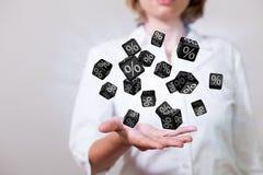 Cubes noirs en pour cent de femme Photos libres de droits